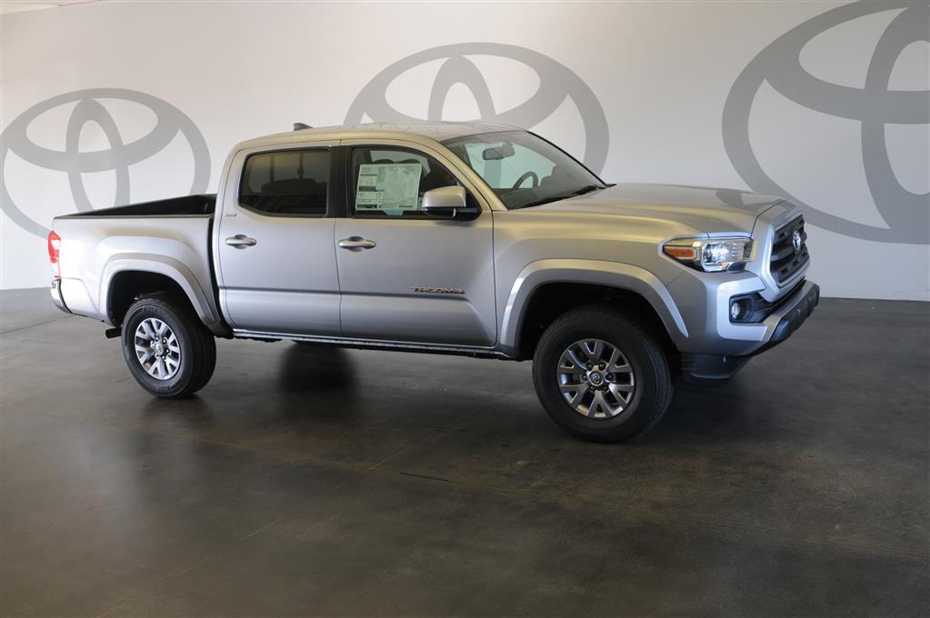 new 2017 toyota tacoma sr5 4d double cab in st augustine m031001 beaver toyota st augustine. Black Bedroom Furniture Sets. Home Design Ideas