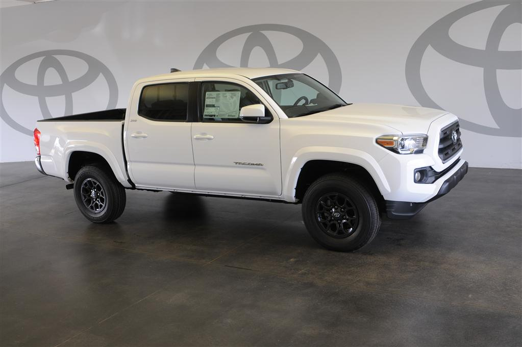 new 2017 toyota tacoma sr5 4d double cab in st augustine m031136 beaver toyota st augustine. Black Bedroom Furniture Sets. Home Design Ideas